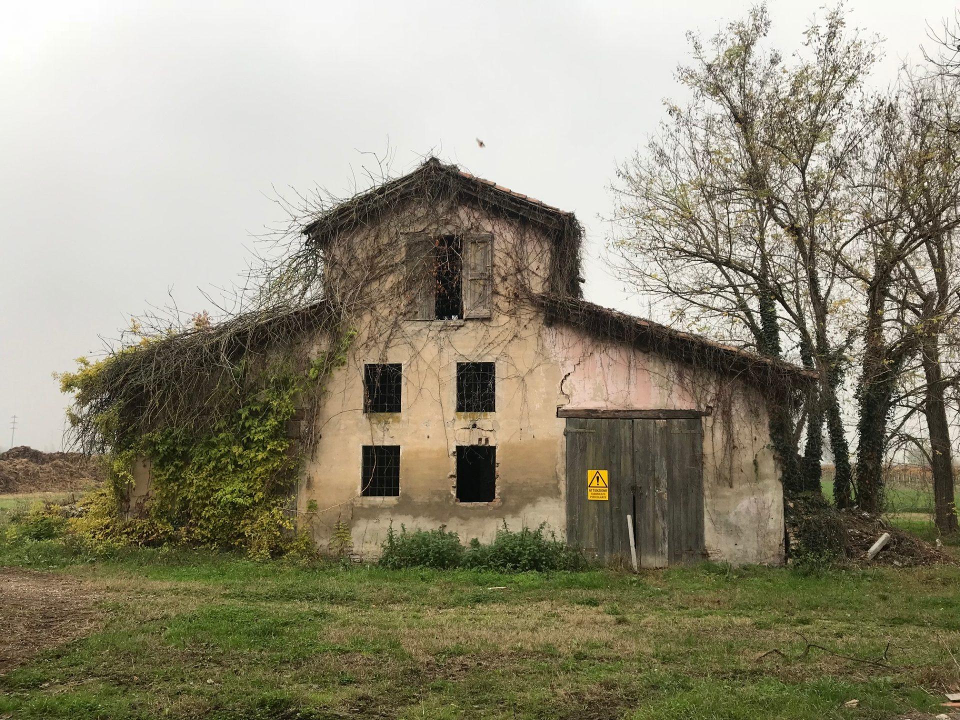 Villa Pironidini stalla