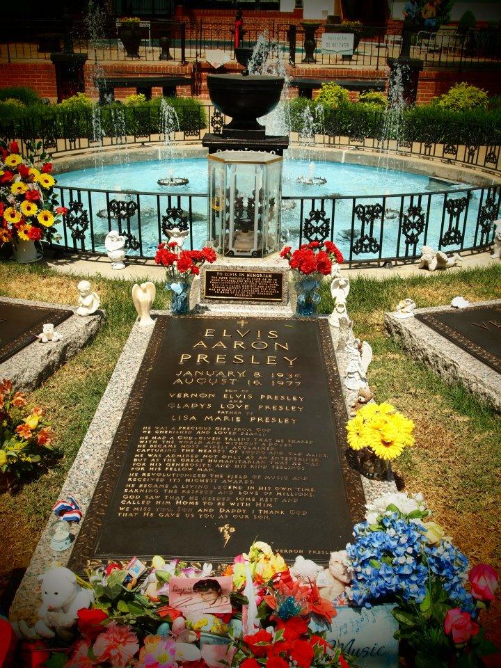 La sua tomba