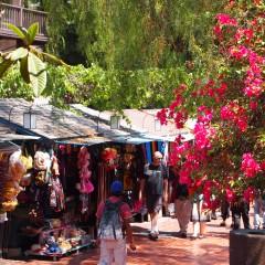 El Pueblo: shopping tra la musica dei mariachi