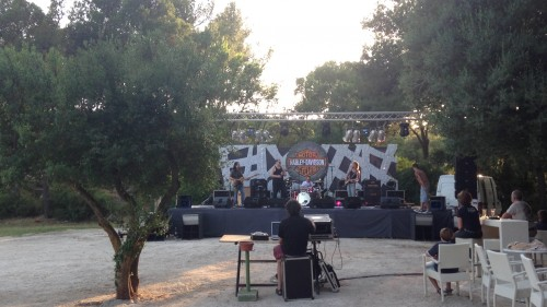 raduno di bikers e live set rock