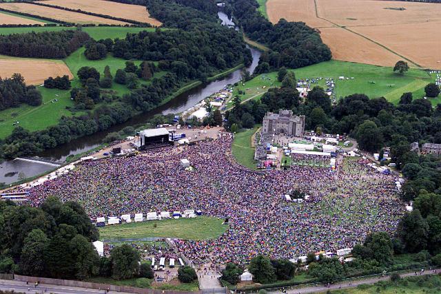 Un Live allo Slane Castle ph by http://data.celticmediagroup.com