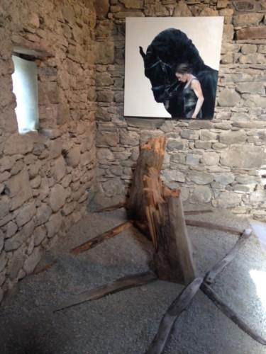Un ritratto di Cinzia Pellegrini della corte di Nasseta (ex stalla, ora museo della Fondazione GLF)