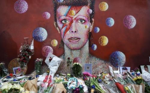 Il murales dedicato a Bowie