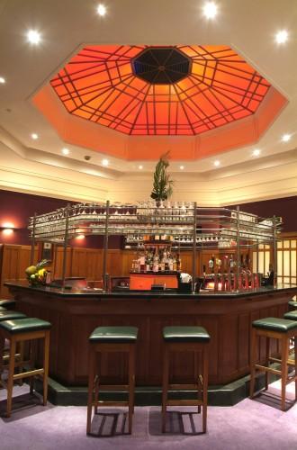 Il bar a forma ottagonale del Clarence