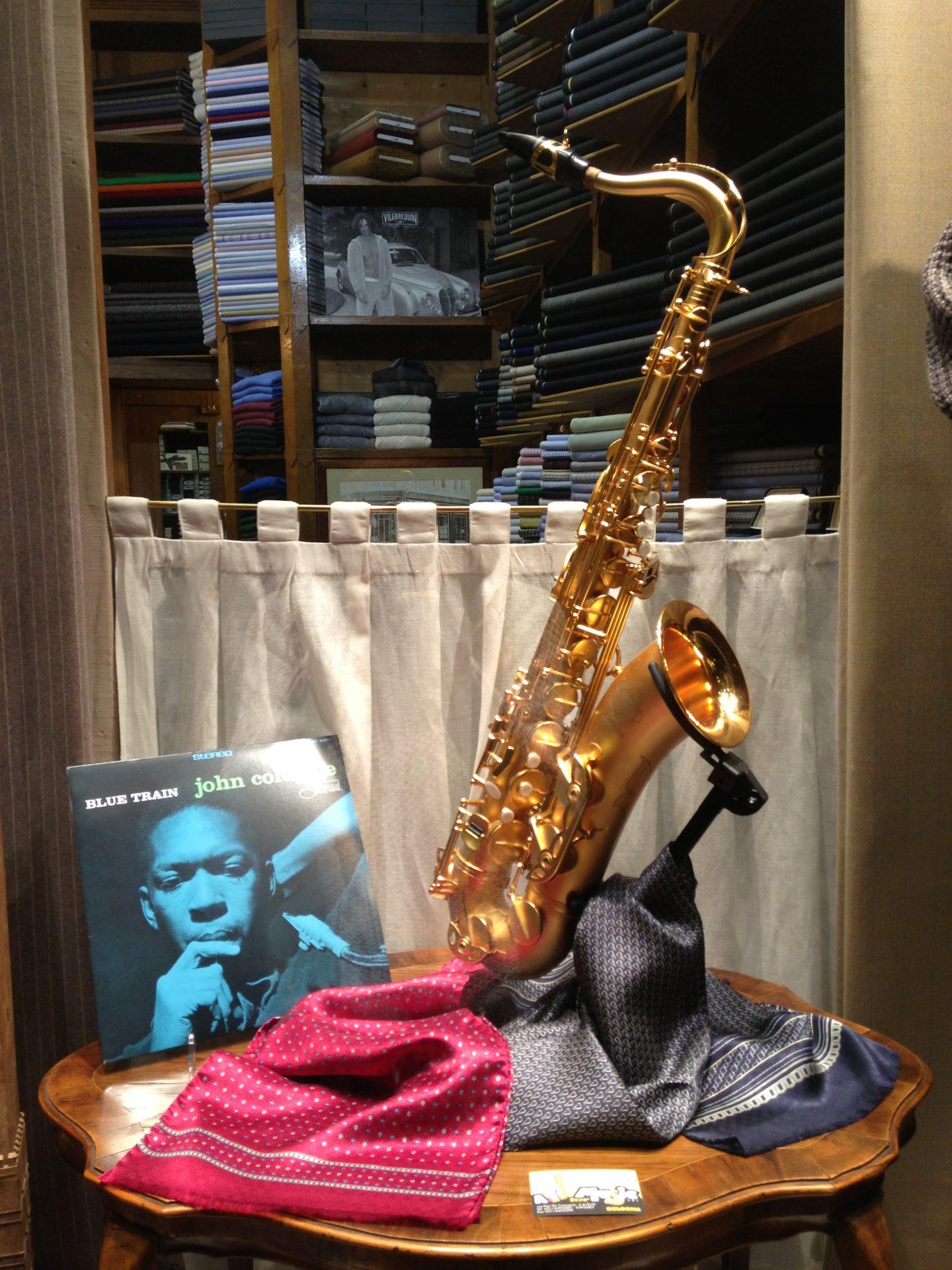 una vetrina allestita a jazz, foto di Gloria