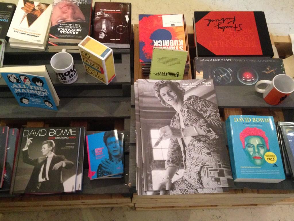 Alcuni libri in vendita, foto di Gloria