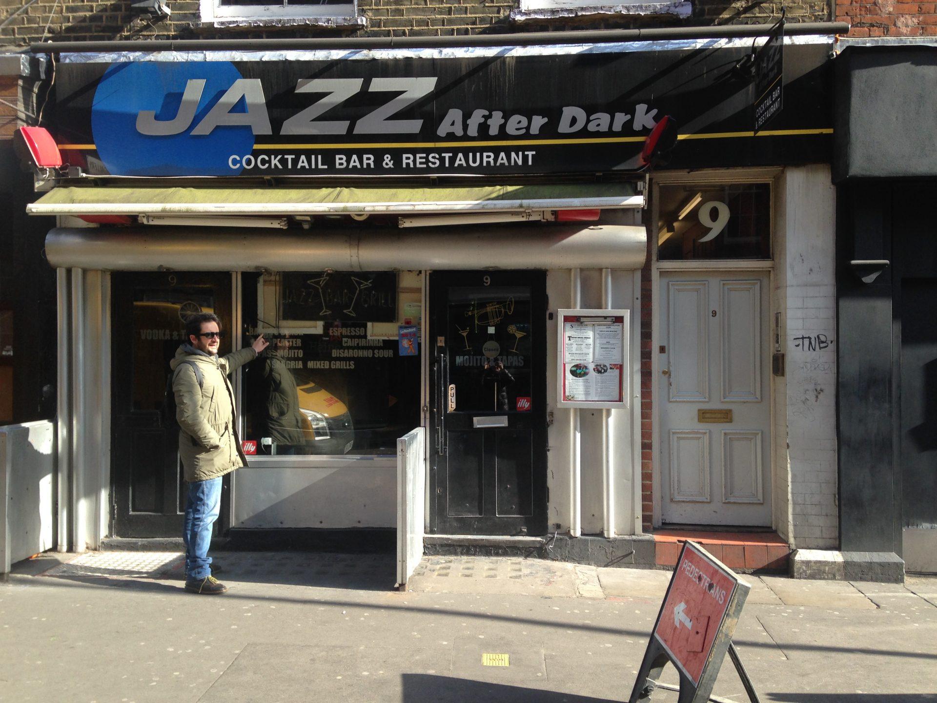 Marco davanti al Jazz After Dark