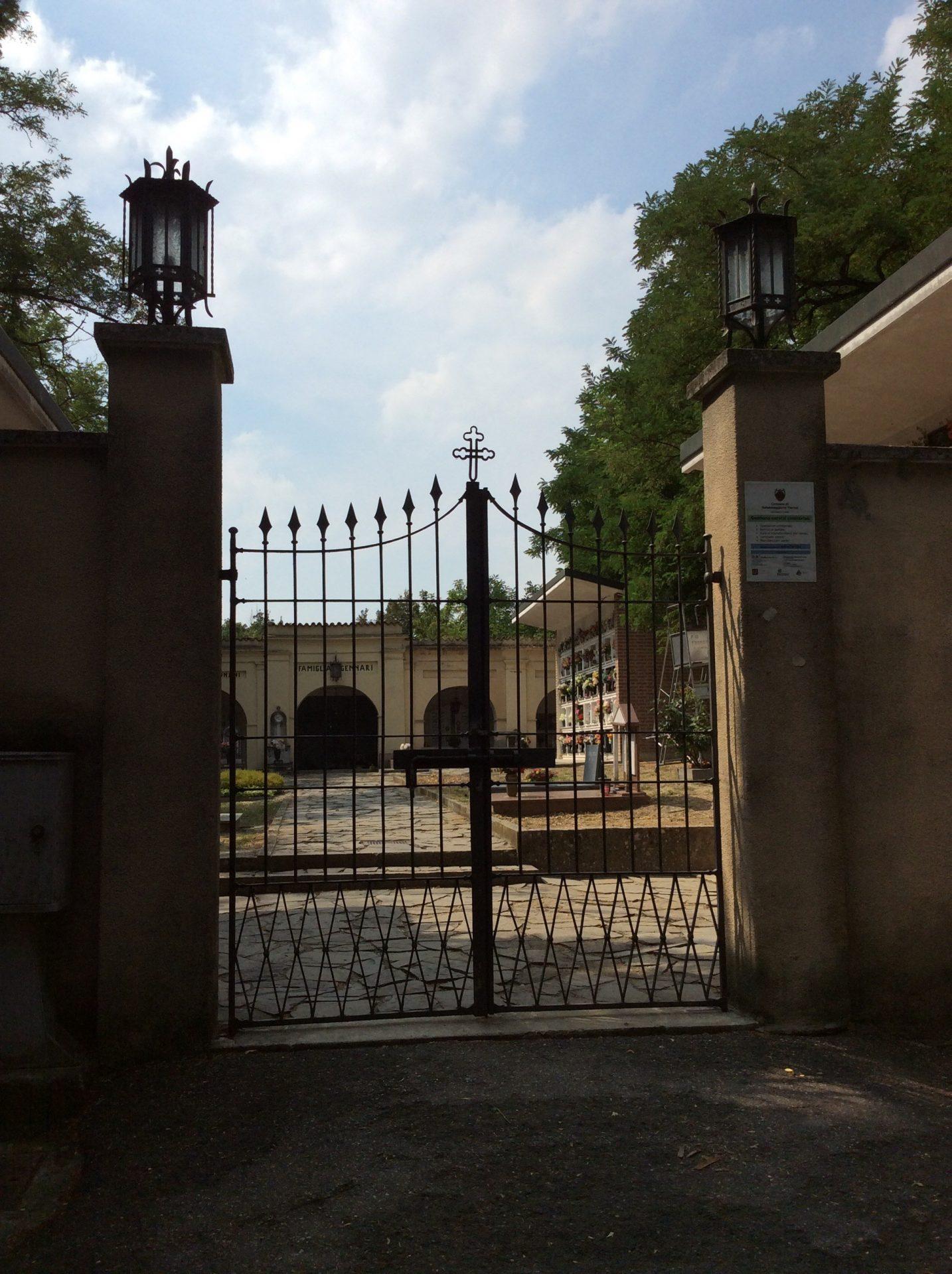 Entrata del cimitero, foto di Gloria