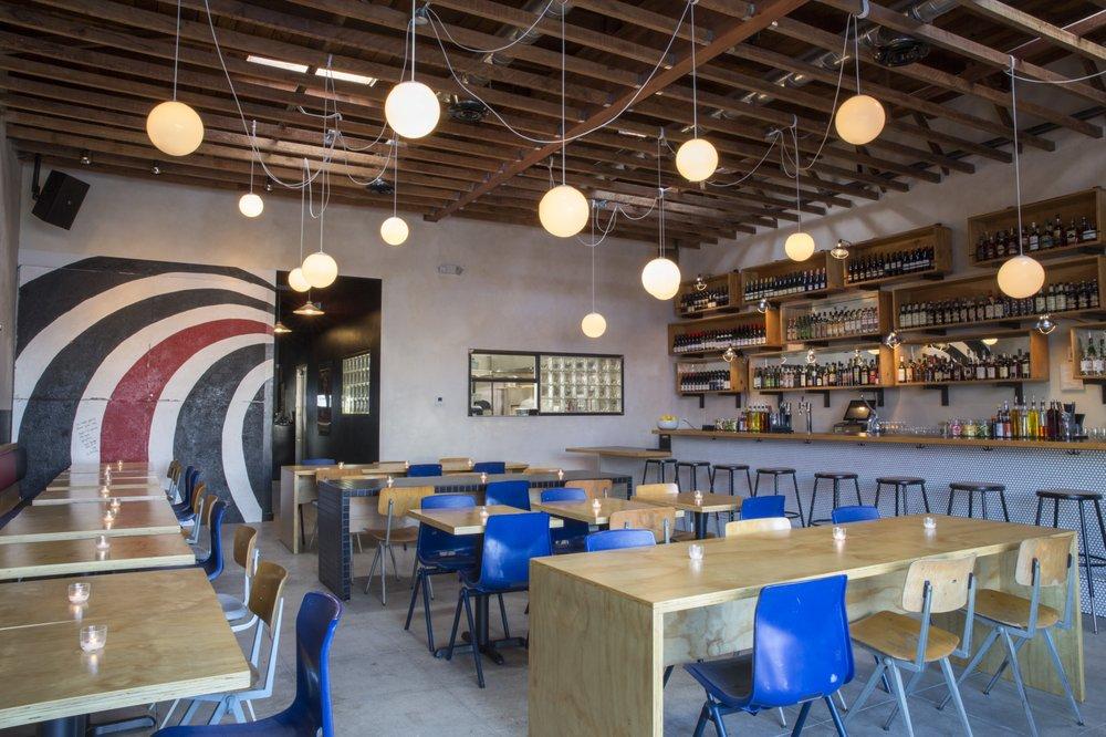 L'interno di Bar Angeles