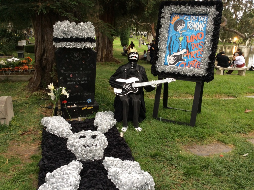 La tomba di Dee Dee Foto di Gloria Annovi