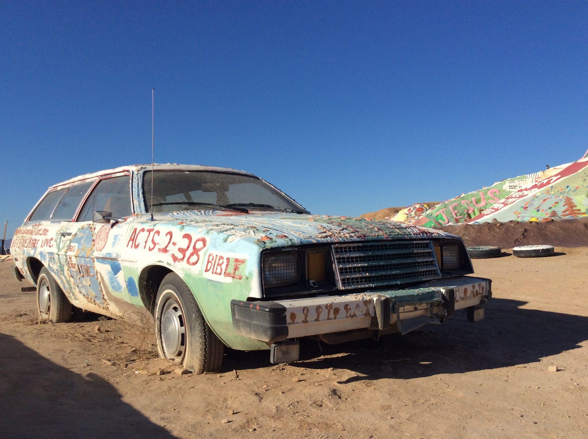 Auto abbandonata a Salvaioun, foto di Gloria