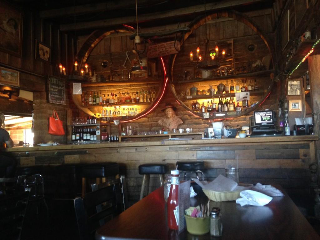 Il bancone di Pappy & Harriet's, foto di Gloria