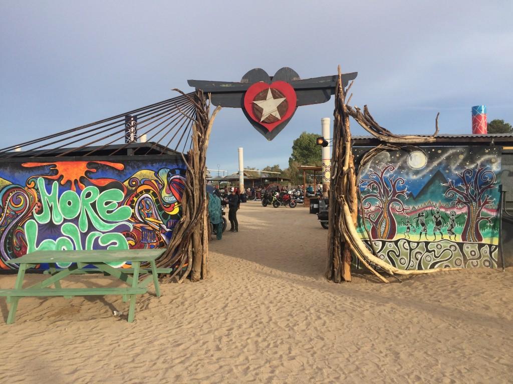 Il festival di maggio in stile hippy