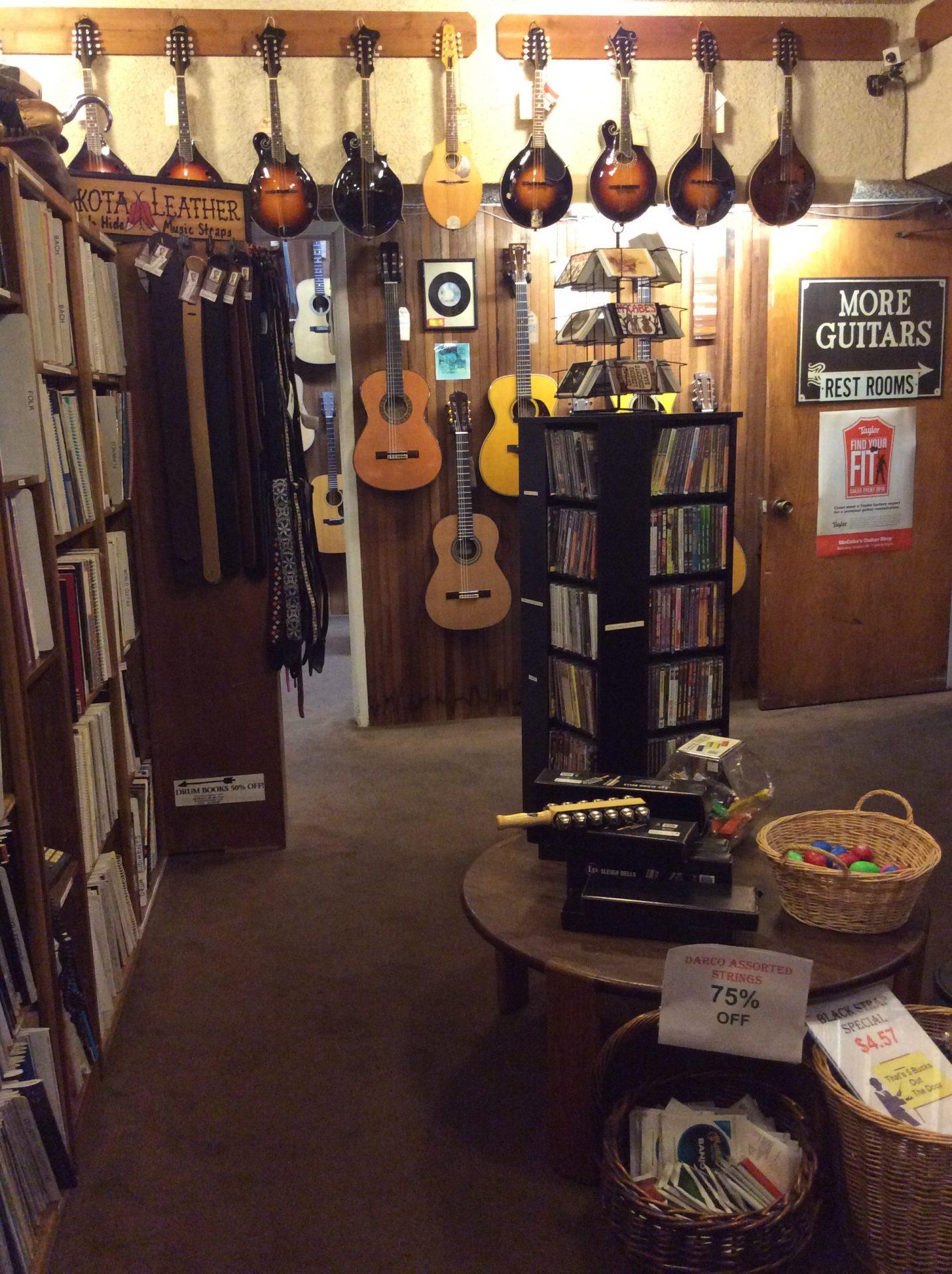 Alcune chitarre, foto di Gloria