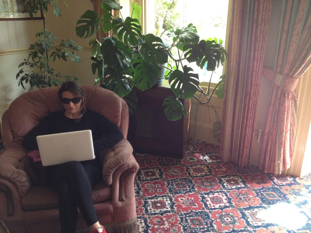 Io al lavoro nella zona relax