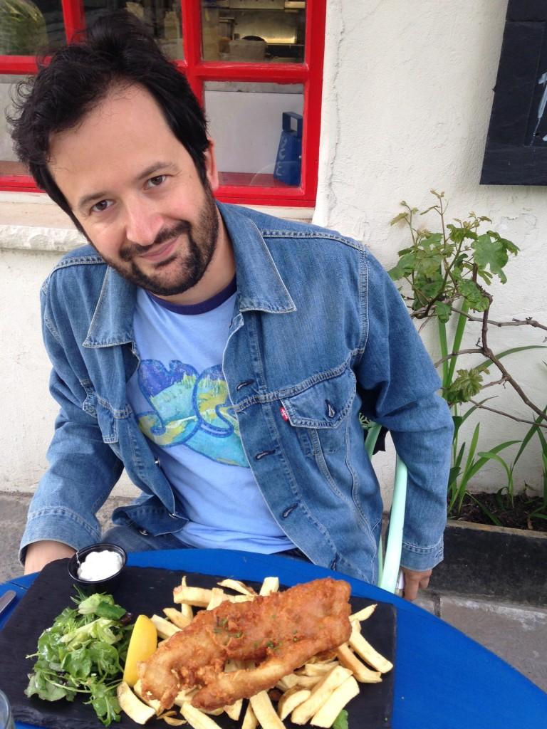 Marco col suo piattone di pesce fritto