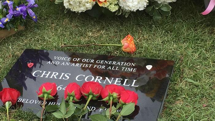 La tomba di Chriss, foto credit Rolling Stone