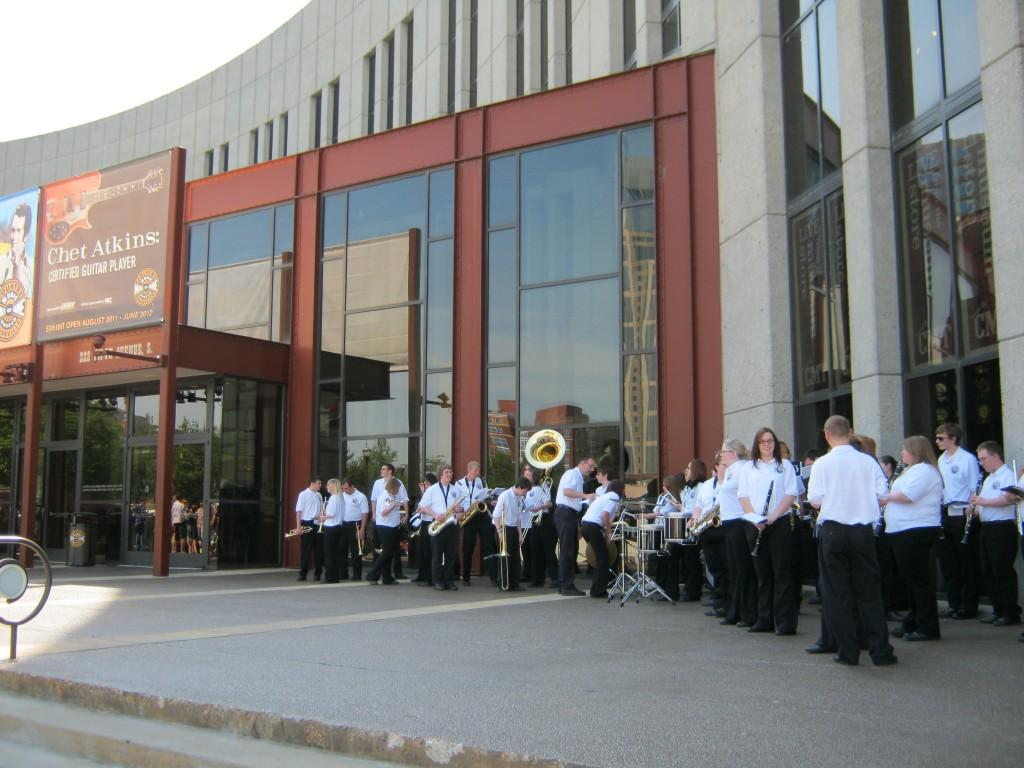 Concerto con banda fuori dal museo , foto di Gloria