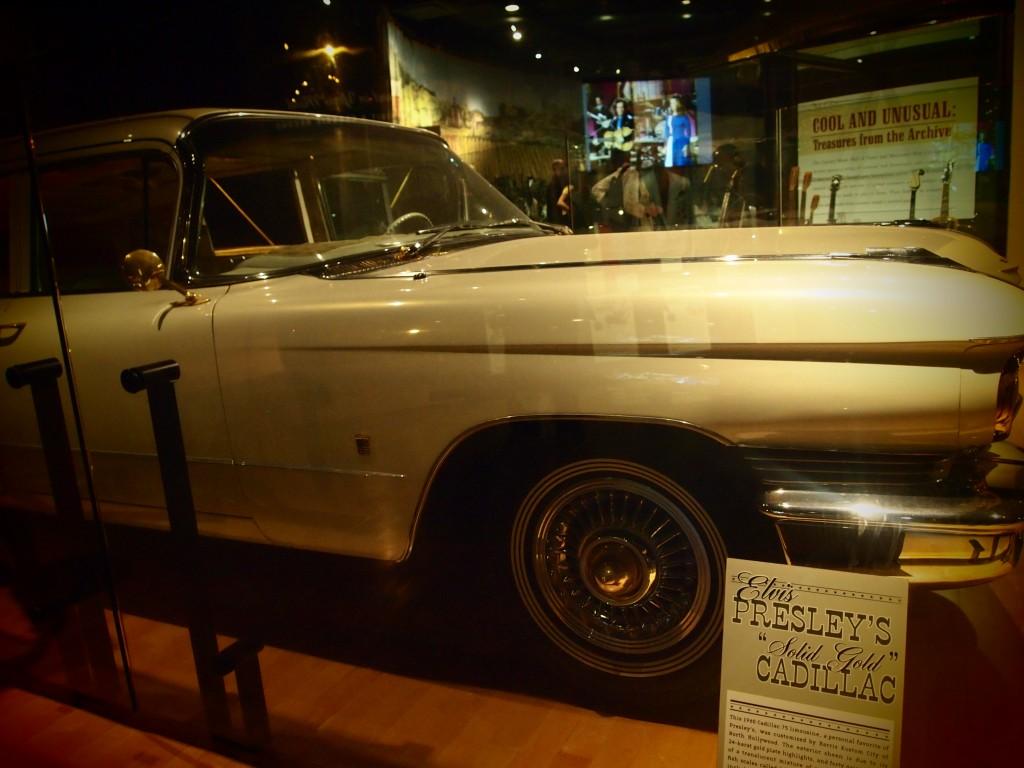 La Cadillac di Elvis, foto di Gloria