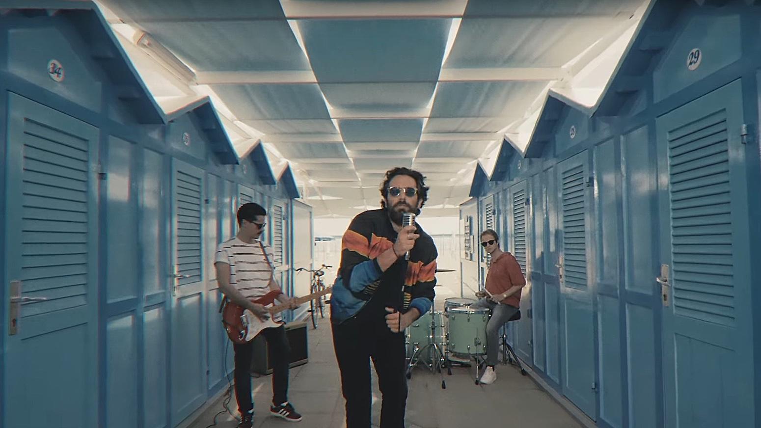 TheGiornalisti, un frame del video Riccione