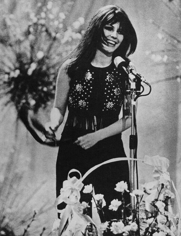 Claudia_Mori_-_Chi_non_lavora_non_fa_l'amore_(Festival_di_Sanremo_1970)