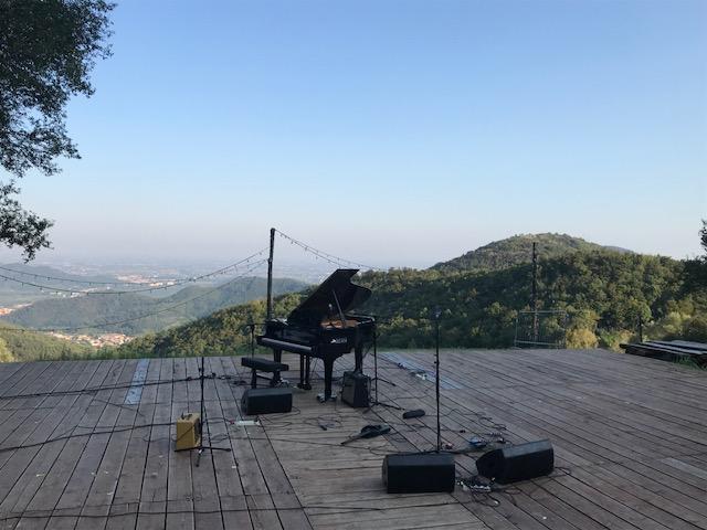 ANFITEATRO DEL VENDA: MUSICA, VINO E SUONI DEL BOSCO TRA I COLLI EUGANEI
