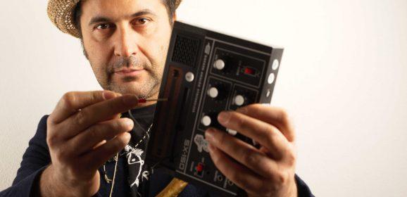 MICROCOSM BY HOLOGRAM: RIDUTTIVO CHIAMARLO PEDALINO. CE LO MOSTRA FABRIZIO TAVERNELLI